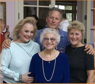 Carol Connors with her mom, sister Cheryl and brother Marshall
